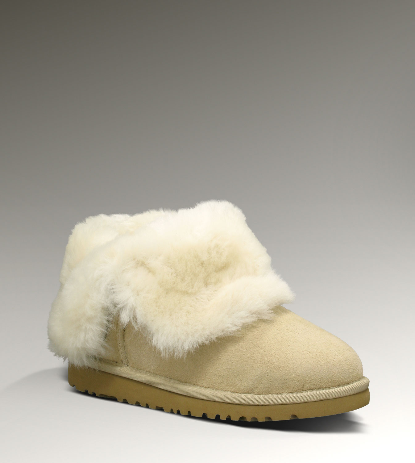 UGG Bailey Button 5991 Sand Boots