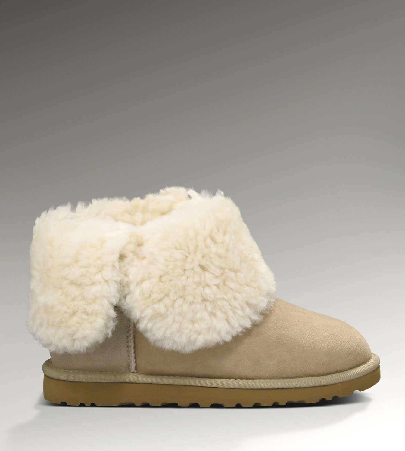UGG Bailey Button 5803 Sand Boots