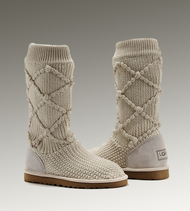 UGG Classic Cardy 5879 Sand Boots