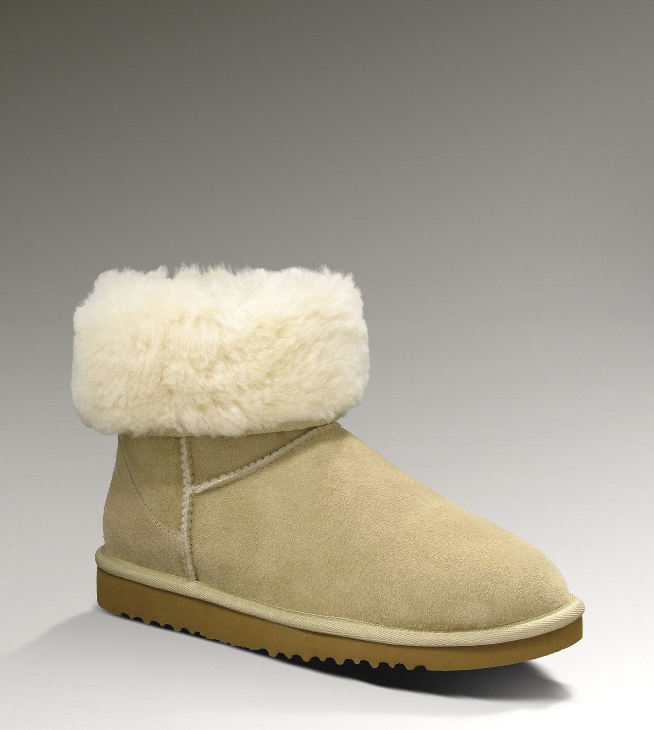 UGG Classic Short 5825 Sand Boots